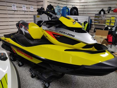 Sea-Doo RXT 260 aS Fjädrat skrov GPS -15