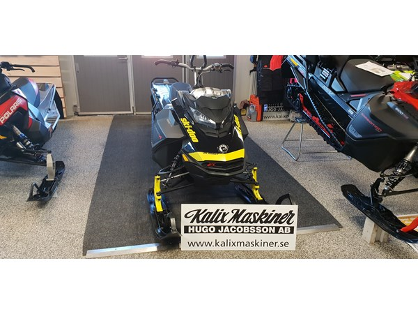 "Ski-doo Summit X 850 154"" -17"