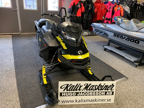 "Ski-Doo Summit X 850 E-TEC 154"" -17"